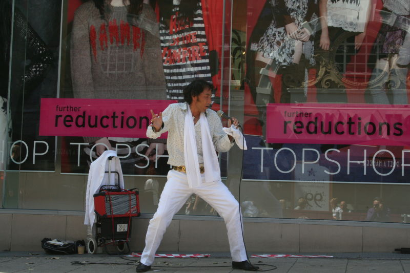 Elvis and the photographer (if you look closely!)