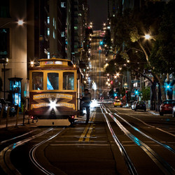 Cable Car in California St - San Francisco
