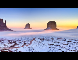 Sunrise in Monument Valley - Arizona