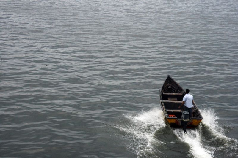 moving boat