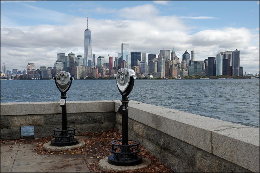 Manhattan depuis Ellis Island 1/3