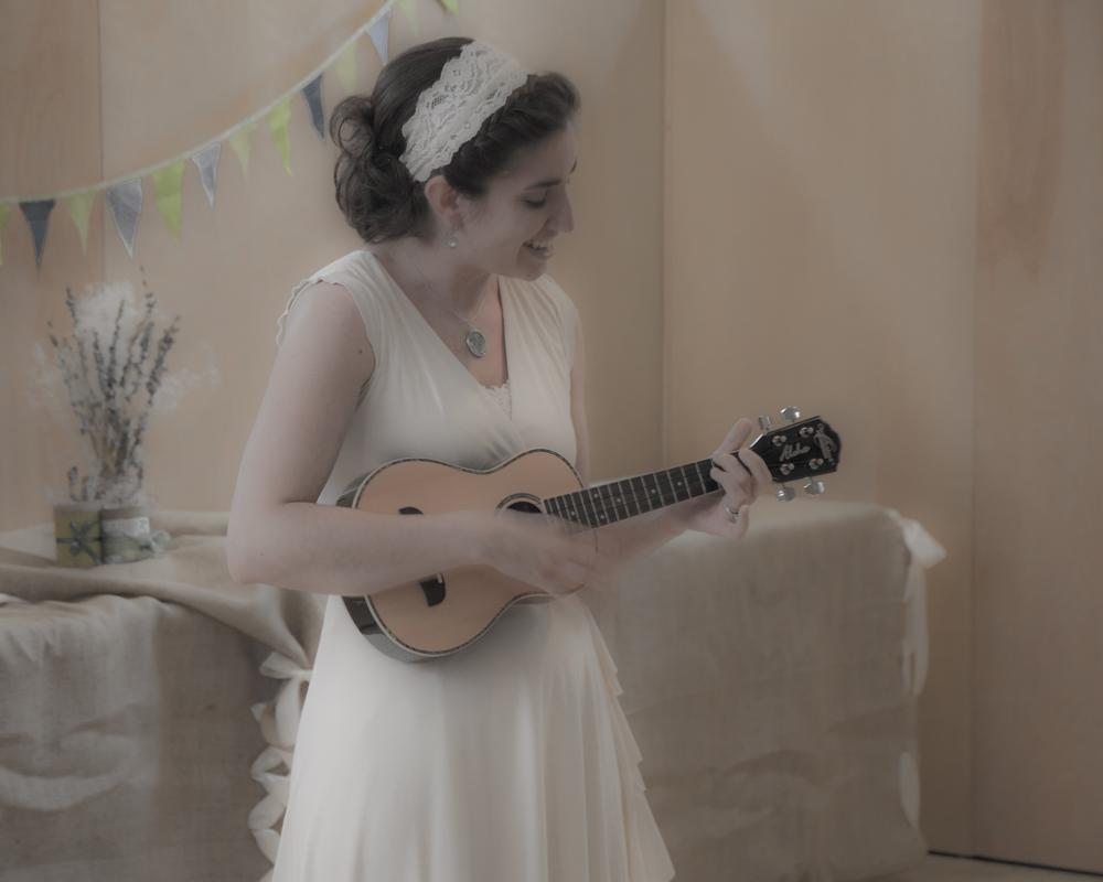 Avi Sings