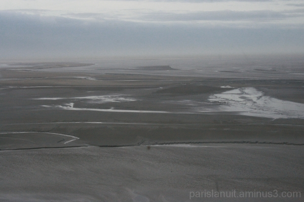 Au loin, la mer