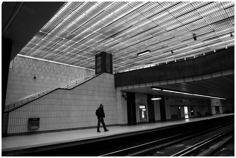 Yawn. (Metro Station Sherbrooke.)