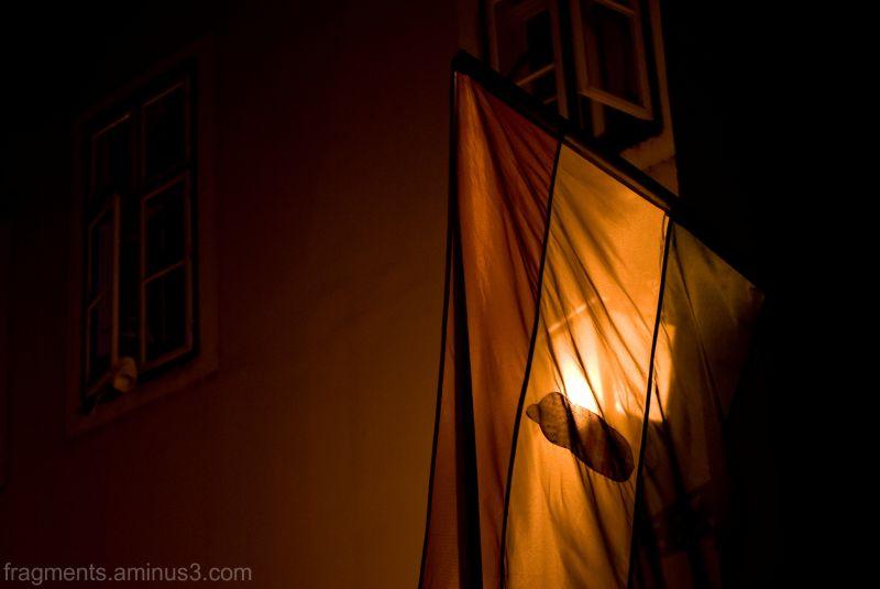 Győr, lobogó és ablakok