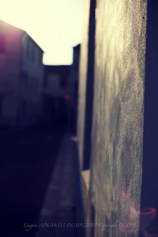 Rue, elle...
