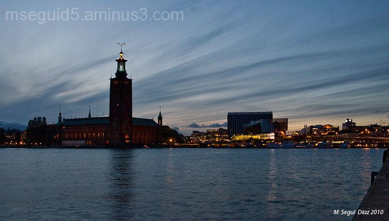 Estocolmo (El ayuntamiento al atardecer)