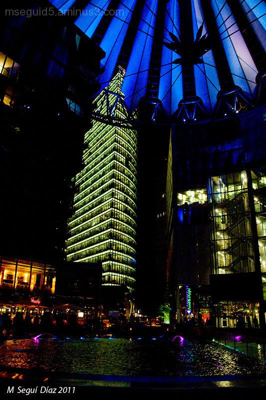 Sony Center de noche (Berlín)