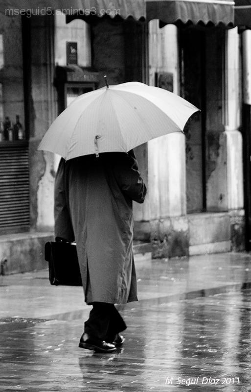 Lloviendo