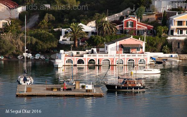 Casa acuática- Puerto de Mahón (Menorca)