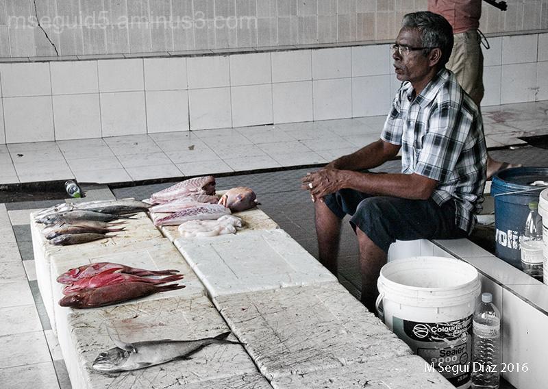 Vendiendo pescado