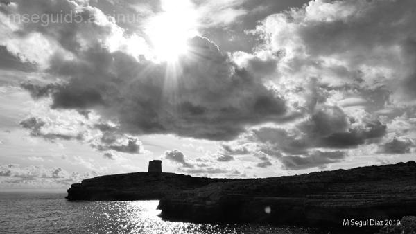 Torre des Morro d´Alcalfar (Menorca) contraluz