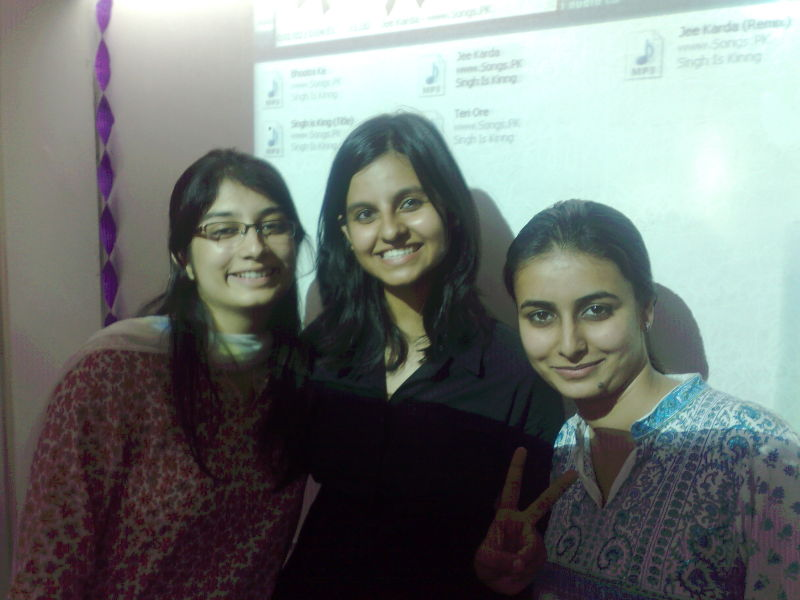 The Powerpuff triplet (Puri, Pant & Ka-ppppooorrr)
