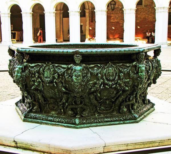 fountain, italy