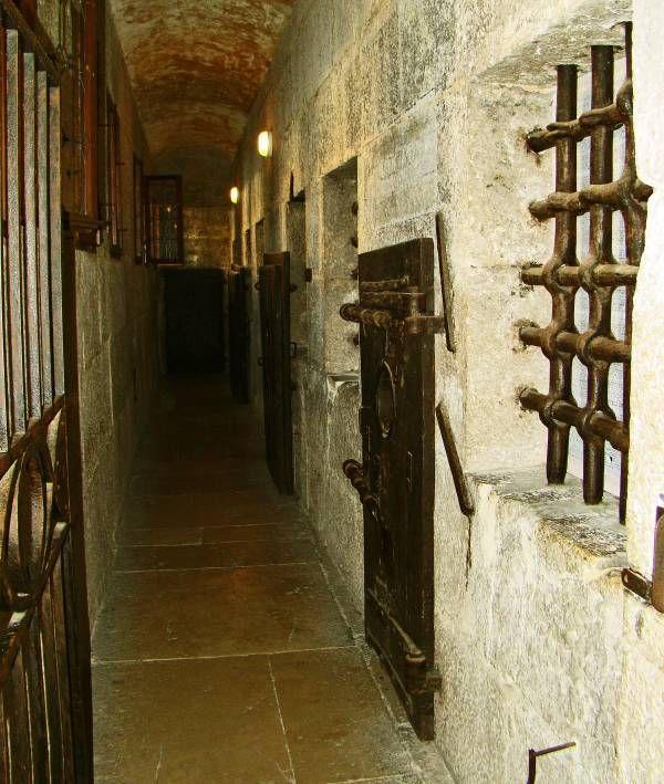 venice, prison