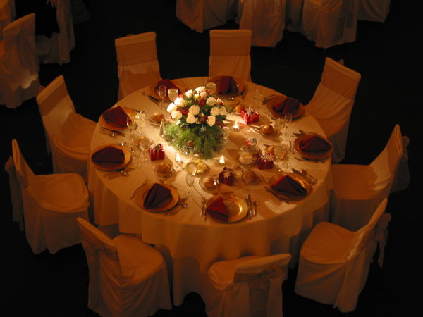 Guest's wedding table setting No flash natural lig