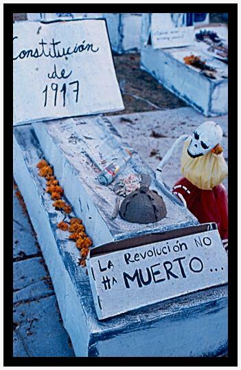 La revolución no ha muerto* (Ofrendas UNAM 2010)