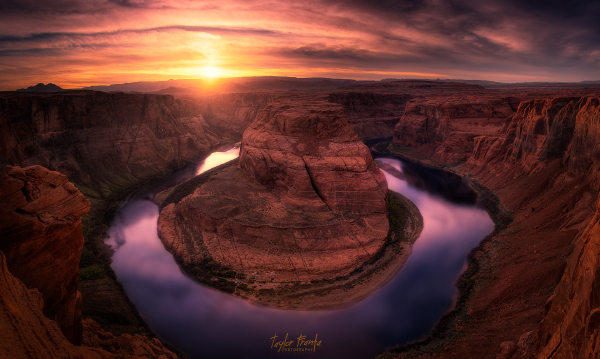 sunset at horseshoe bend in arizona