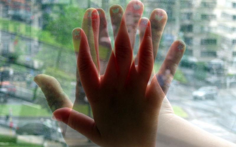 hands Katarina nails