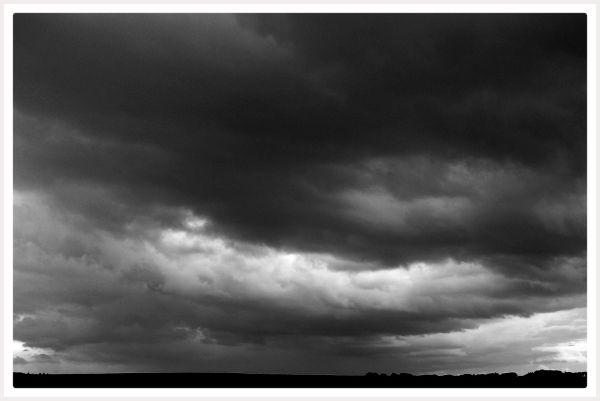 Ciel noir et blanc