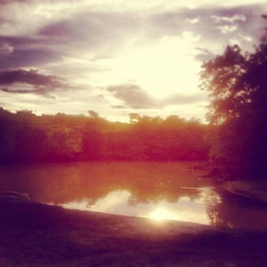atardecer en el rio