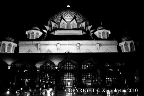 Putra Mosque (B&W)