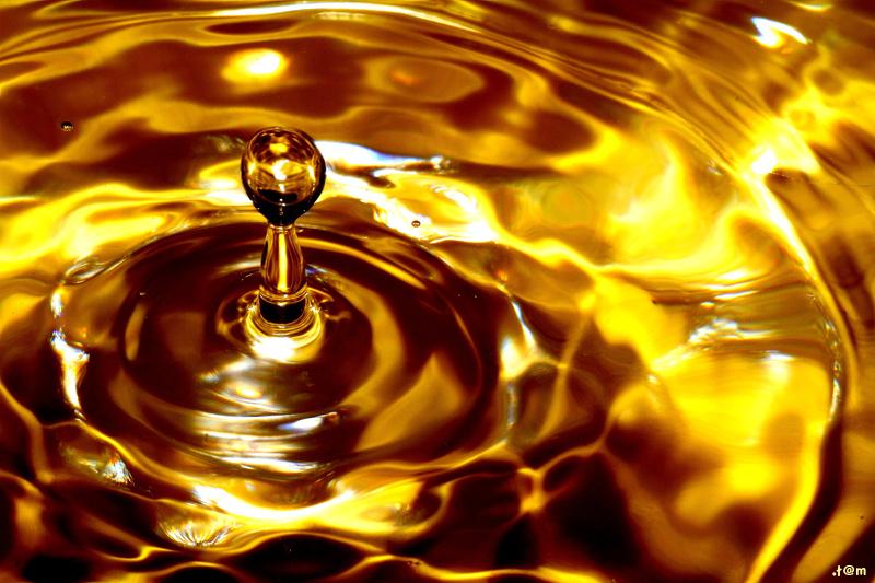 Golden splash