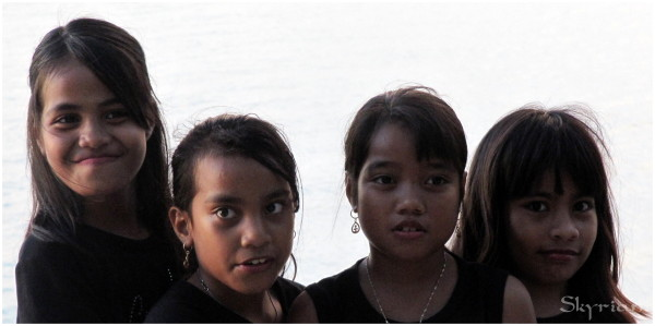 girls from kiribati