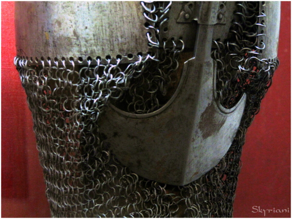 Chain mail helm