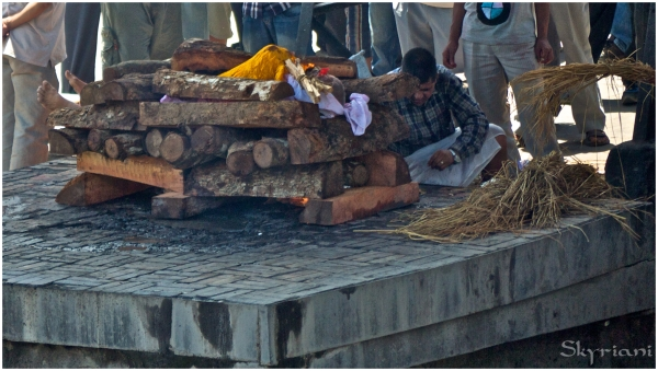 Hindu Cremation IV: Lighting the pyre