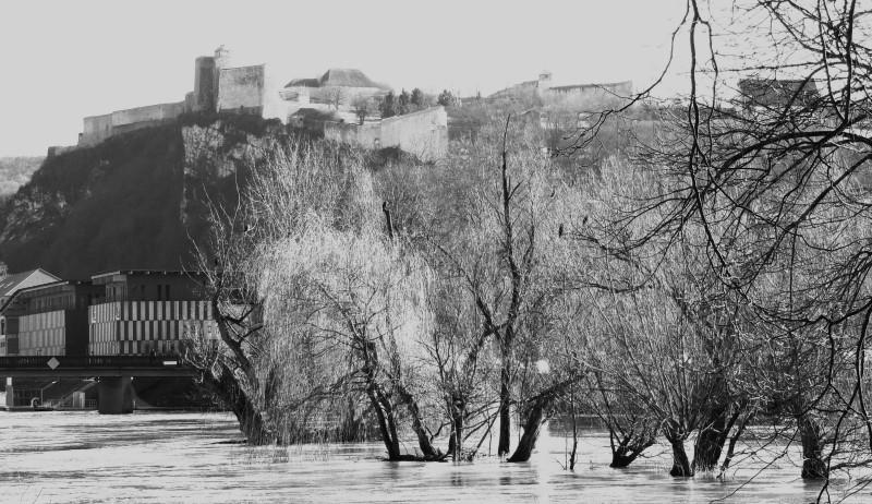 River, Besaçonb, Doubs, iles