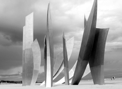 Omaha beach, Normandy, scupture , Anilore Banon