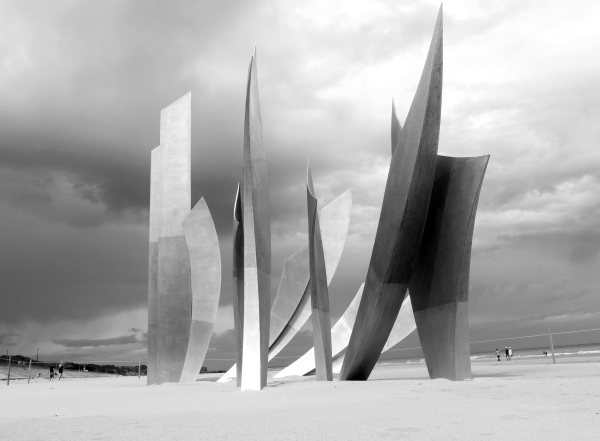 Omaha beach, Normandy, scupture , Anilore Banon
