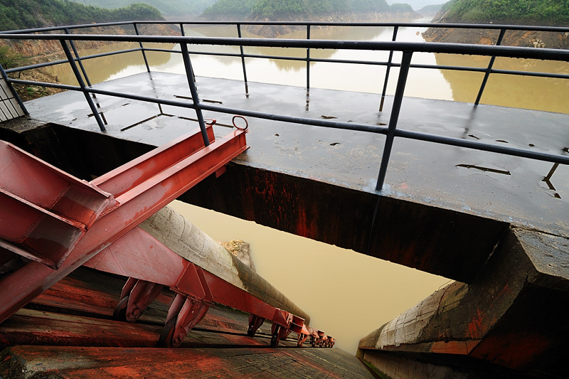The Pulling Rod of A Floodgate