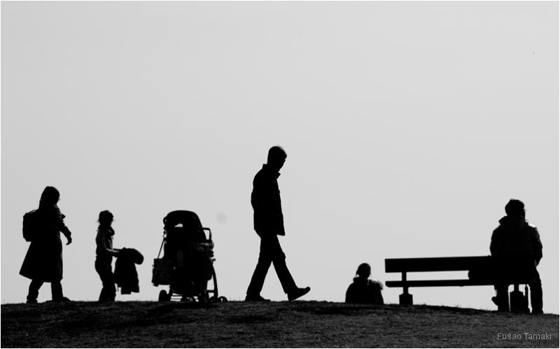 silhouette b&w people tokyo japan park