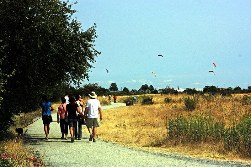Kites & Hikes
