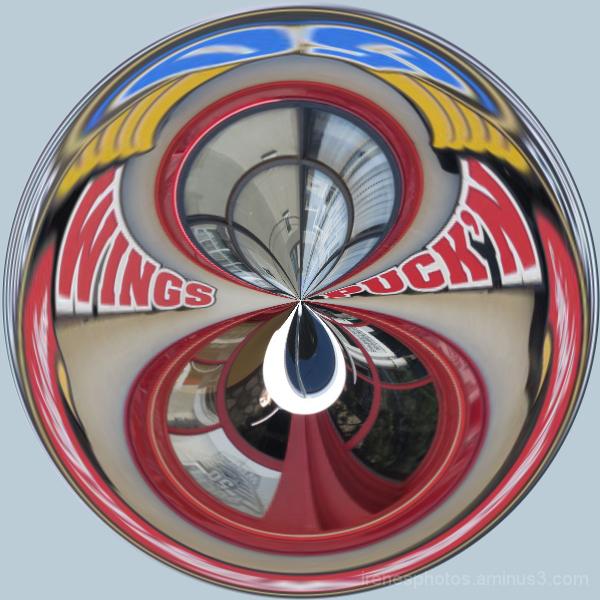 Abstract Puck'n Wings