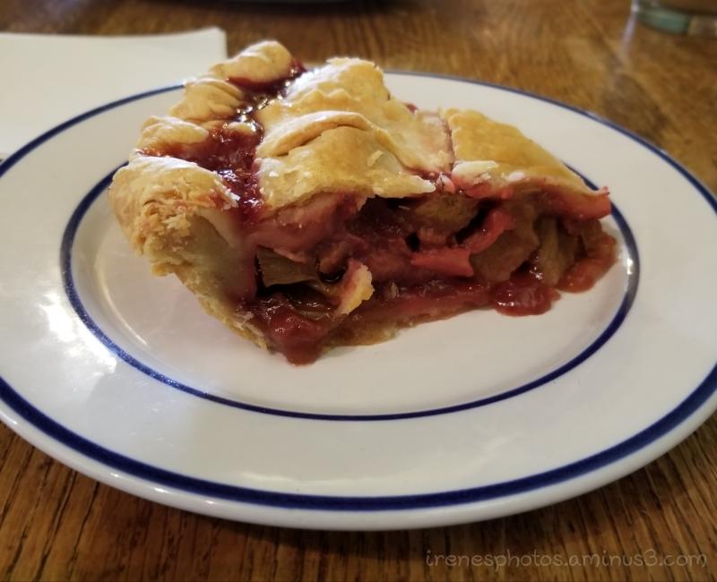 Apple & Rhubarb Pie