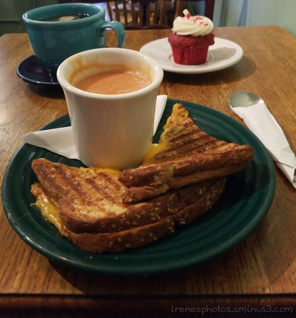 Grilled Cheese with Tomato Soup on 07.13.2018