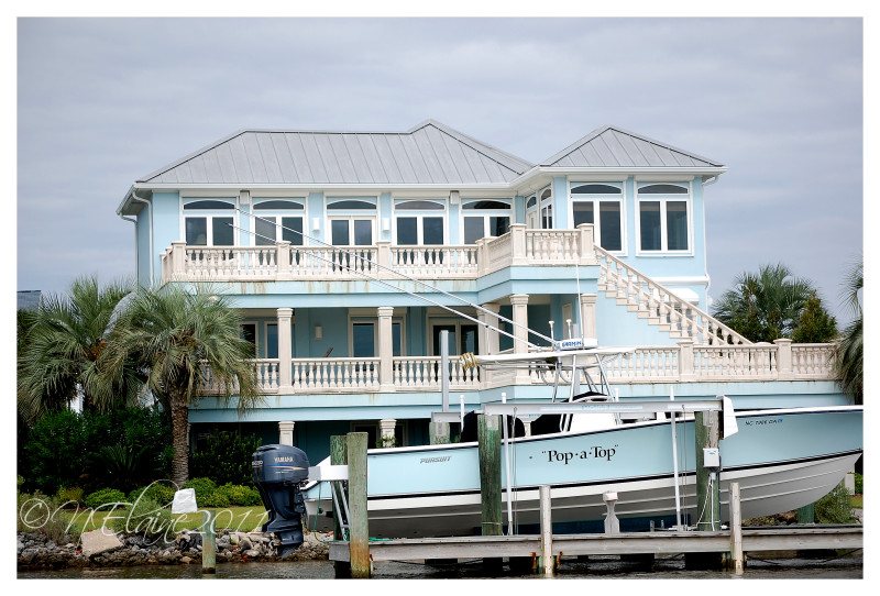 house & boat