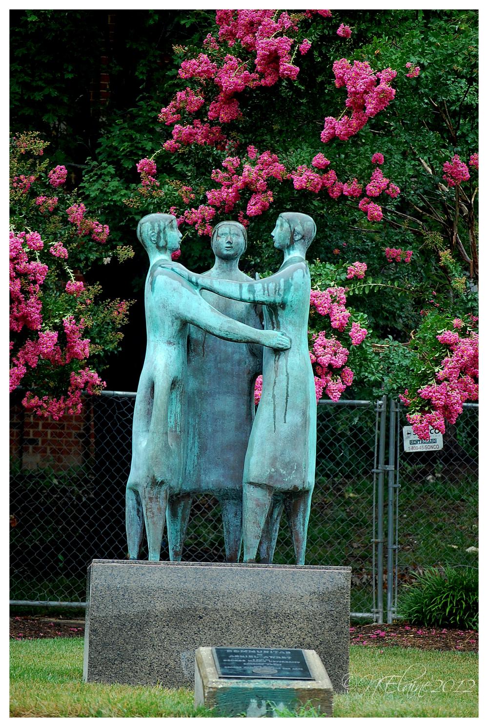 sculpture of people