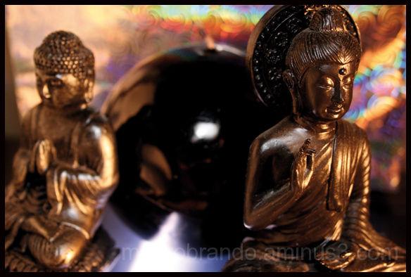 Two littles Budhas