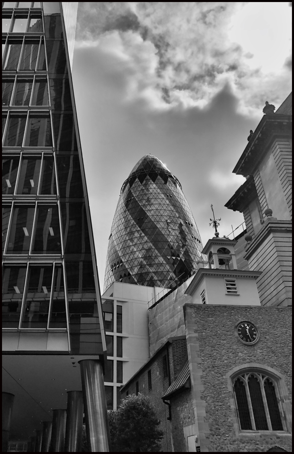 London city of contrasts
