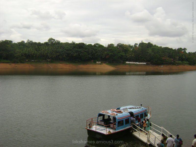 Boat ride in Neyyar Dam