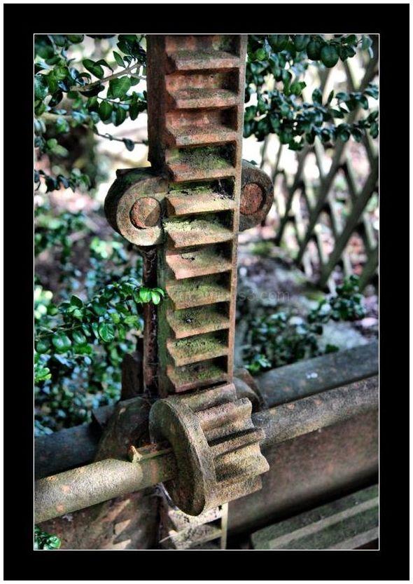 Sluice Gate Rack & Pinion