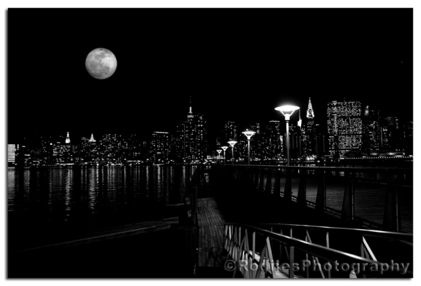 The Moon (bw)