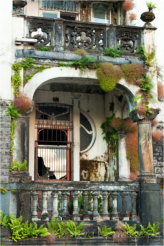 Crumbling House in San Jose Costa Rica