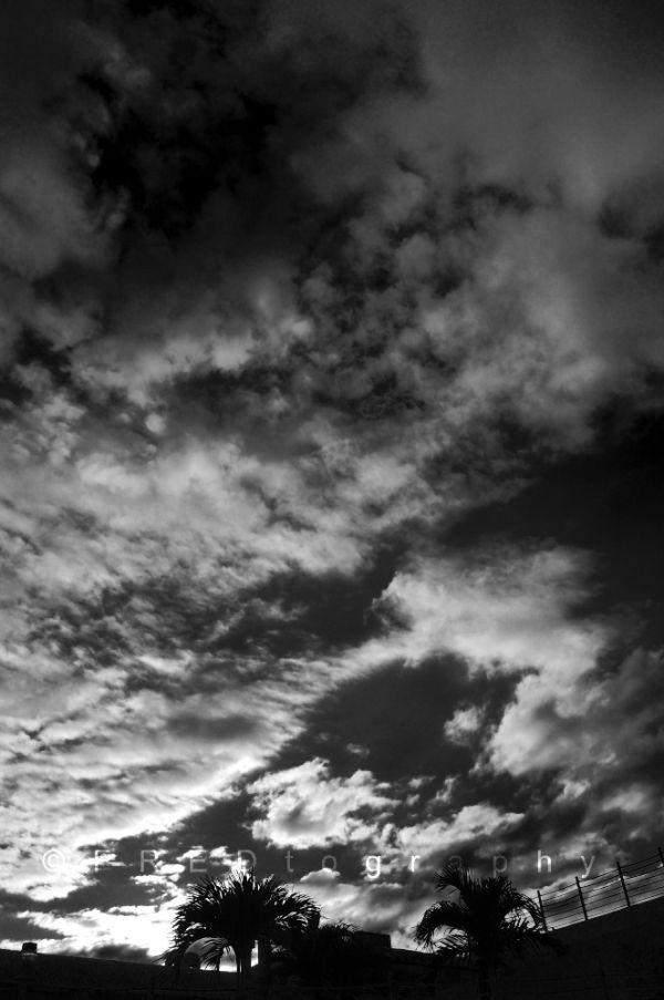 Clouds in b&w.