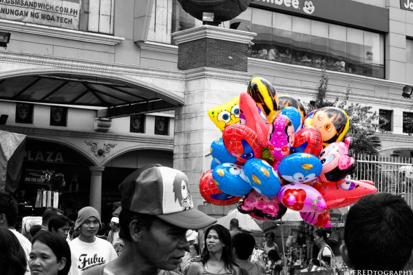 The colors of Quiapo.