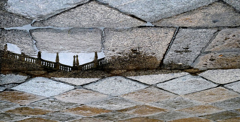 * Reflejo en la lluvia. Plaza Mayor. Salamanca
